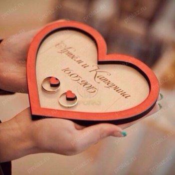Подставка под свадебные кольца